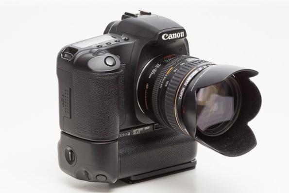Canon EOS 30D Camera w/ Canon EF 28-105mm f/3.5-45 USM II Lens,